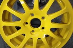 Порошковая покраска диска в желтый цвет